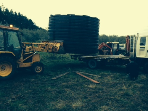 USING TRACTOR HYDRAULICS TO DO THE HEAVY LIFTING