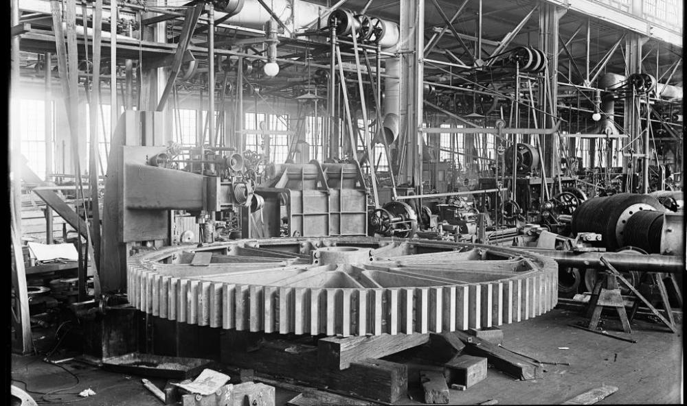 MAKING STEAM ENGINES, CIRCA 1905 (3/6)