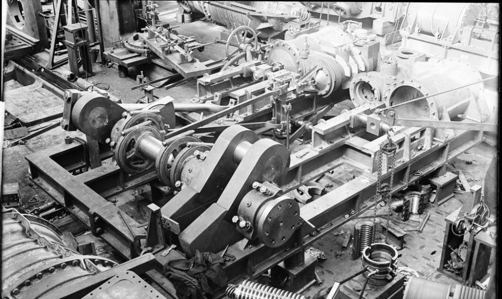 MAKING STEAM ENGINES, CIRCA 1905 (2/6)