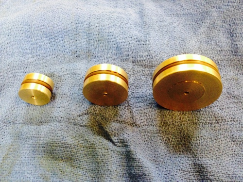 The pistons with Viton rings .