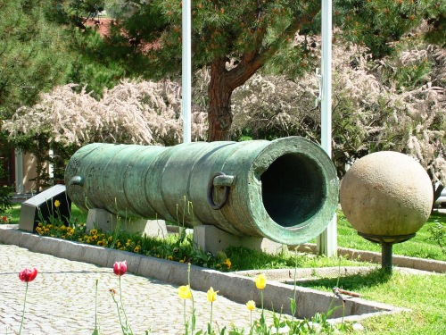 Turkish cannon and ball